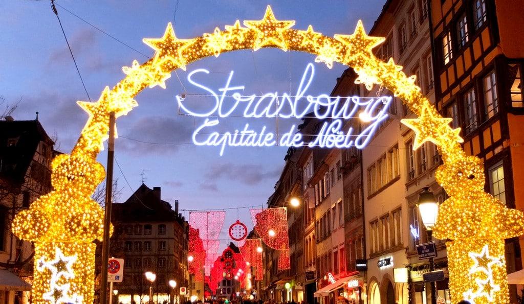 Mercado De Navidad En Estrasburgo Capital De Strasbourg De La Navidad
